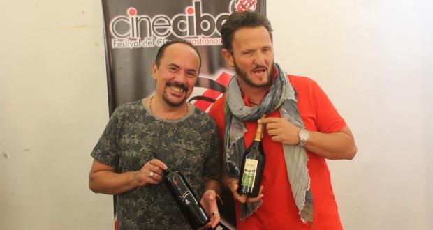 Enzo Salvi batte Maurizio Casagrande ai fornelli: grande successo per gli showcooking di Cinecibo festival.